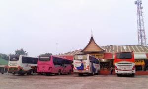 Tempat istirahat bus yang begitu luas